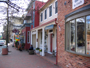 Talbots St.  image from http://www.destinationmainstreets.com/maryland/st-michaels.php